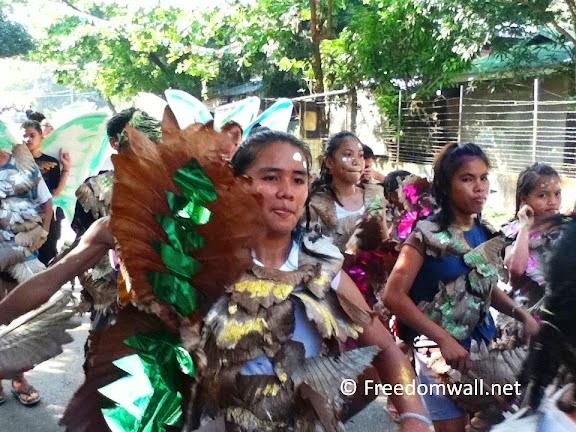 Palaran Festival 2011 Bonawon street performer