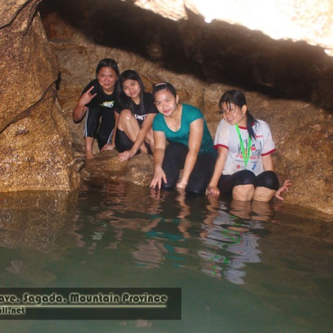 Lizyl, Aby, Kath, and Jing resting at Sumaguing Cave