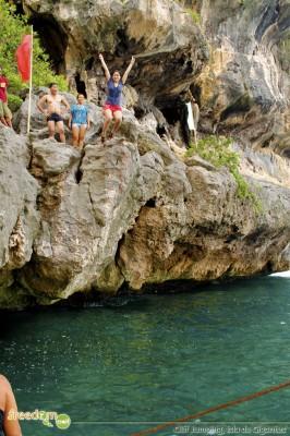 Cliff jumping, Isla de Gigantes Sur