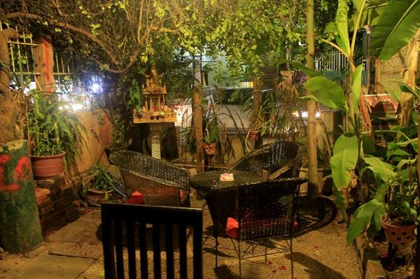 angkor wonder hotel garden