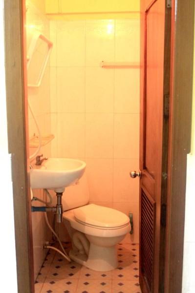 angkor wonder hotel toilet and bath