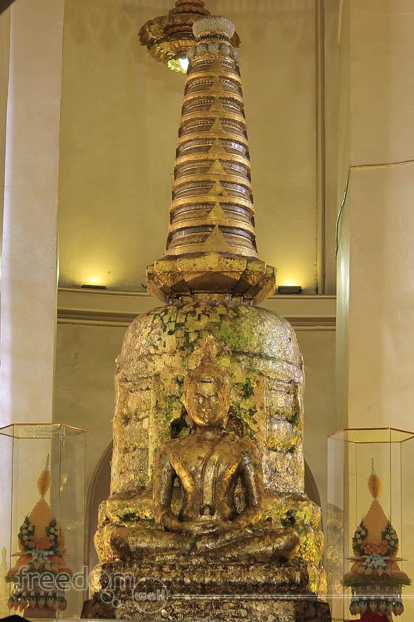A Buddha in Wat Saket