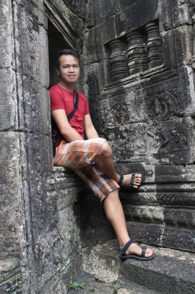 ian limpangog of freedom wall at bayon temple