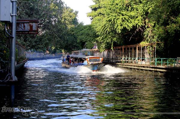 Khlong boats - Saeh Seap service boats