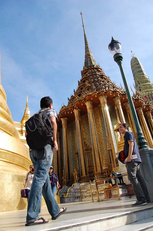 Lost in Grand Palace (Photo by Roderick)