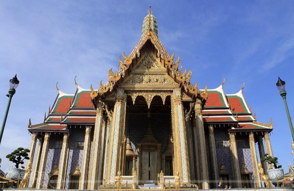 Prasat Phra Dhepbidorn (The Royal Pantheon)