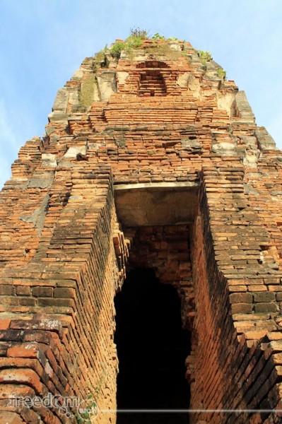 Wat Maha That Chedi Opening