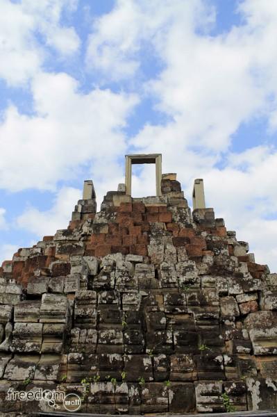 baphuon temple summit