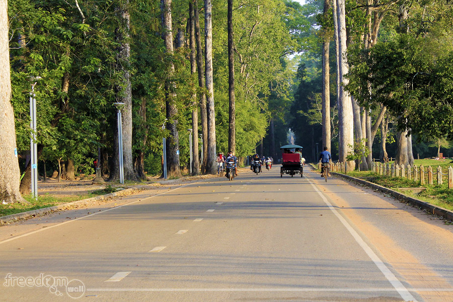 Way to Angkor Thom