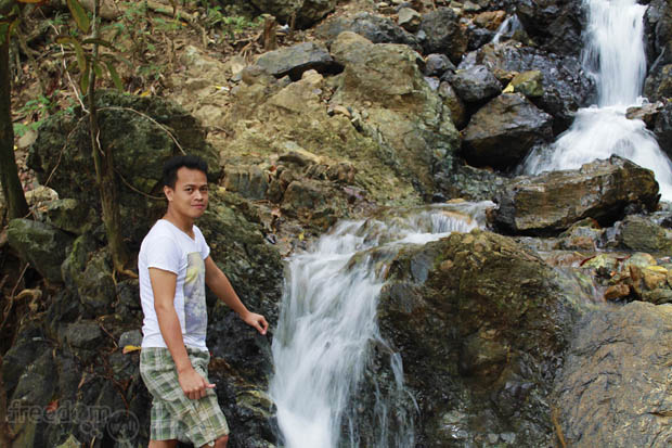 Ang lalaki sa talon (Ian Limpangog, the guy in the falls)