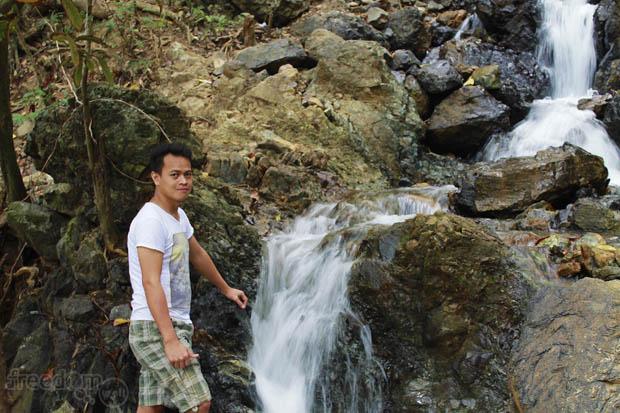 Ang lalaki sa talon (Ian Limpangog, the guy in the falls)