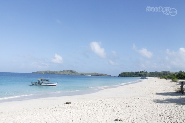 The gorgeous strip of Mahabang Buhangin Beach in Calaguas