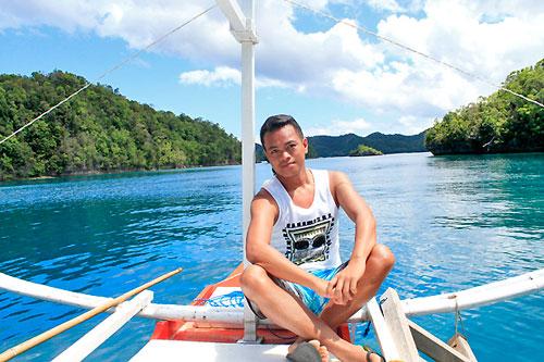 Ian Limpangog at Sohoton Bay, Bucas Grande