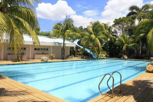 mount sea resort lap pool