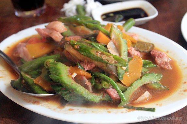islands seafood Restaurant's Pinakbet
