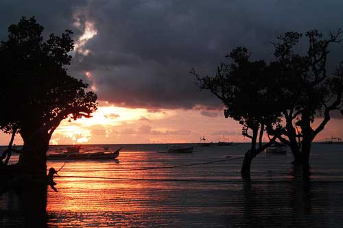 Isla de Gigantes' beautiful sunrise