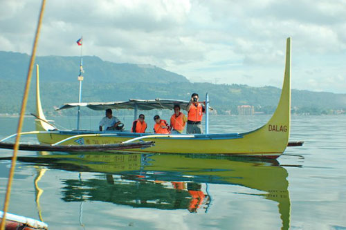 Boat Going to Taal Volcano