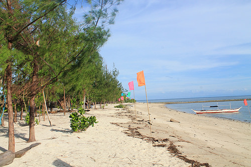 A peaceful beachfront of Dampalitan