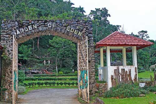 Garden of Eden at Kamay ni Hesus
