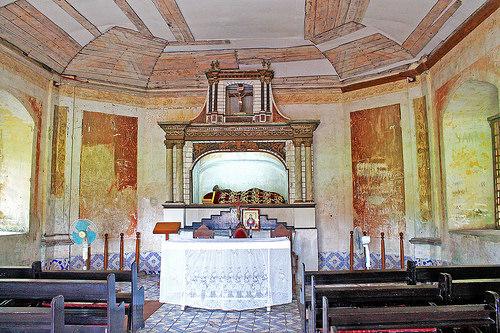 nagcarlan underground cemetery chapel
