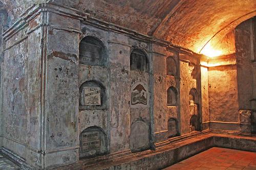 nagcarlan underground graves