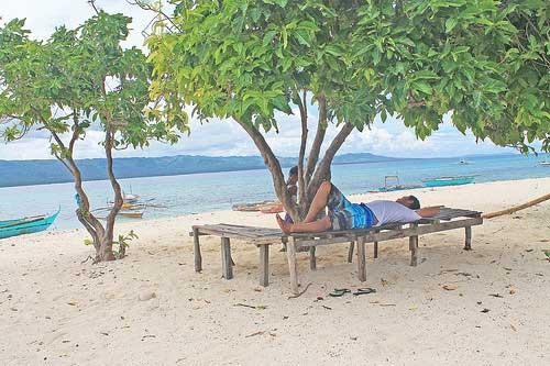 Alibijaban Beach Resting Bench