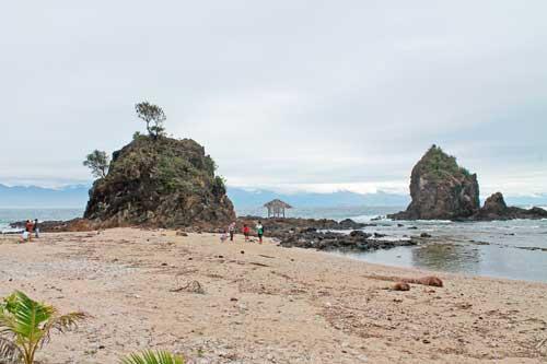 Diguisit Beach, Dicasalarin Cove