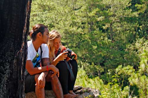 Spending some romantic moments at Echo Valley (Baw-eng), Sagada