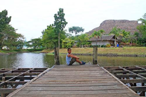 ian at nayong pilipino riverside platform