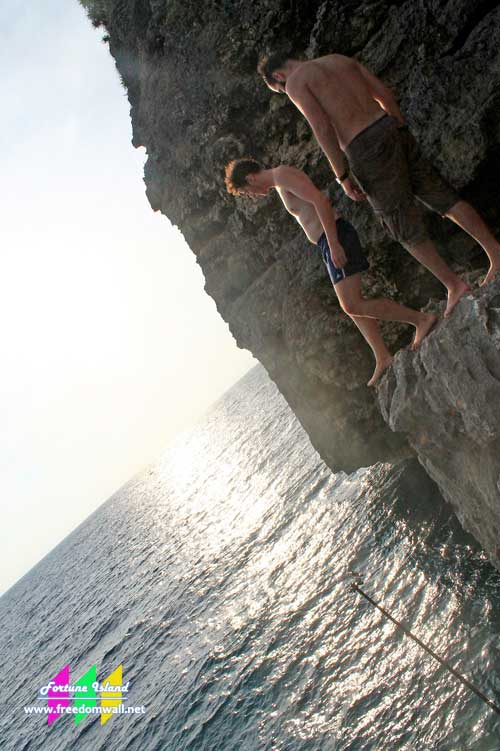 fortune island cliff jumping