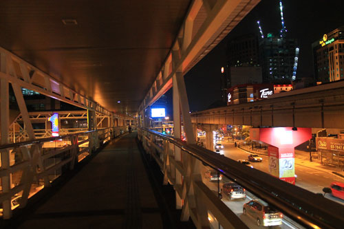 jalan sultan ismail footbridge
