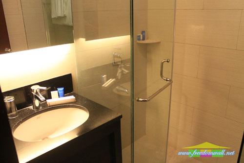 The plaza hotel bathroom