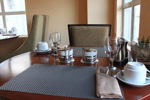 cafe kyoto dining set