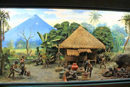A diorama of early Filipinos