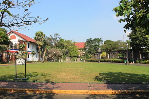 fort santiago grounds (Plaza de Armas)