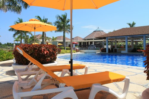 Aquaria Beach Resort pool side