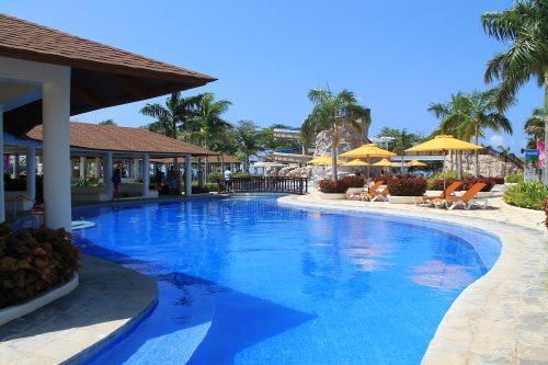 aquaria resort