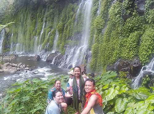 "Just a normal groupie at Asik Asik Falls (Teddy Buagas, Karen Salting, Jo Anne Marpuri, Corrine Grace ""Cookie"" Santelices"