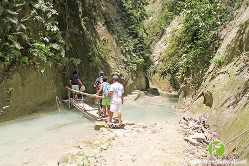 Way to Dao Falls