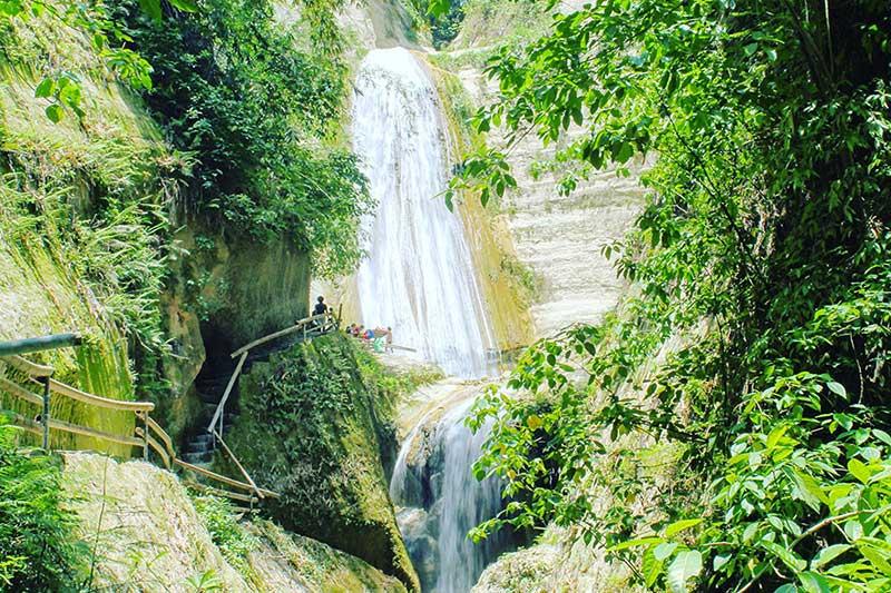 Dao (Dau) Falls in Samboan