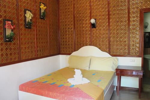 alona hidden dream resort bed