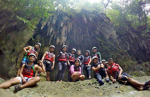 Cebu Bloggers Society Members doing the Canyoneering