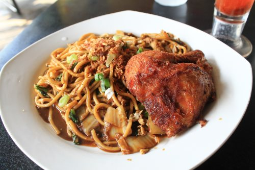 Food find in Yogyakarta: mie goreng