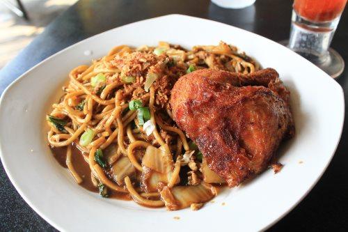 Food find in Yogyakarta: mie goreng