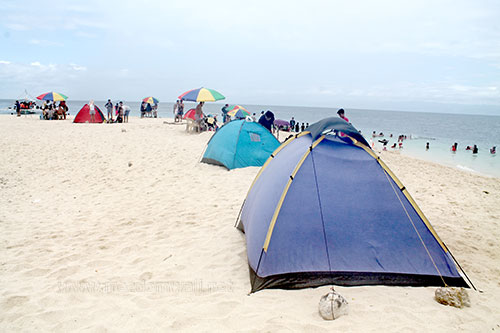 Beach Camps along Basdaku Whitebeach Moalboal