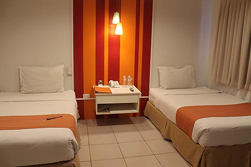 The twin bed, Escario Central Hotel