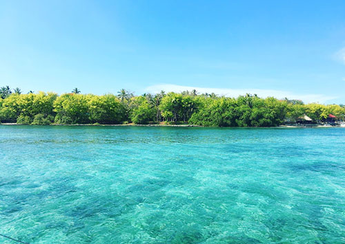 Clear and aquamrine: the stunning Sulpa Island
