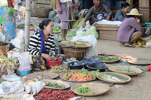 Inle Lake vendor