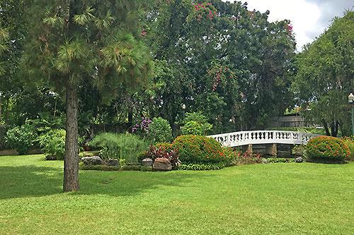 Montebello Villa Hotel premises