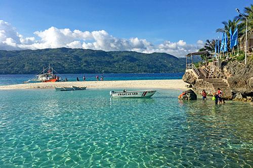 Sumilon Island Sandbar and snorkeling area